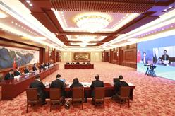 栗戰書同烏茲別克斯坦最高會議參議院主席納爾巴耶娃舉行會談