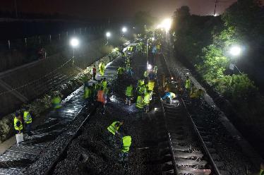 合肥鐵路樞紐合九改線工程順利撥接