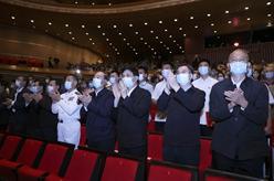 國家大劇院復排新制作經典民族歌劇《黨的女兒》 王滬寧出席觀看