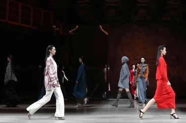 北京時裝周上時尚秀