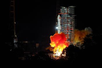 """""""探月夢""""托舉""""中國夢""""——人類首次月球背面探測全紀實"""