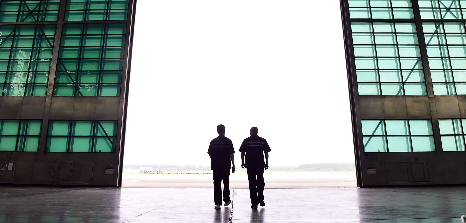 """維修民航飛機的""""父子兵"""""""