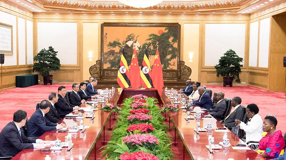 習近平同烏幹達總統穆塞韋尼舉行會談
