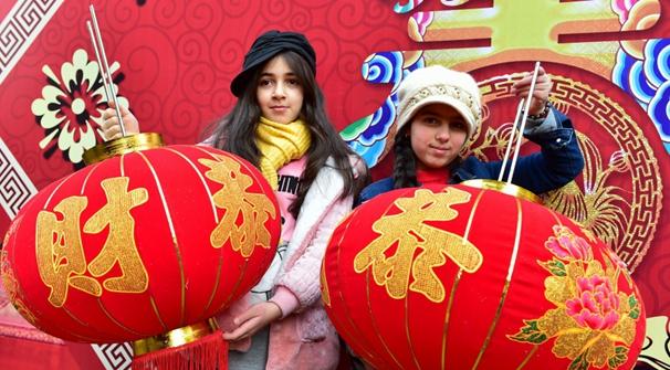 義烏為外商拍攝新年全家福