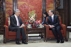 王岐山會見新加坡總理李顯龍