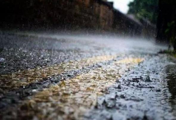 暴雨天气下,如何安全行车