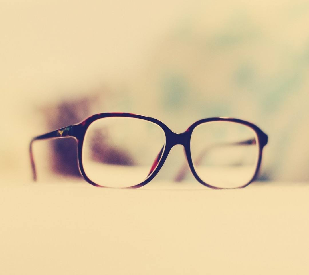 專家提醒:配鏡切勿盲目追求大鏡框