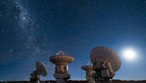 """科學家揭秘宇宙""""巨無霸氣泡""""從何而來"""