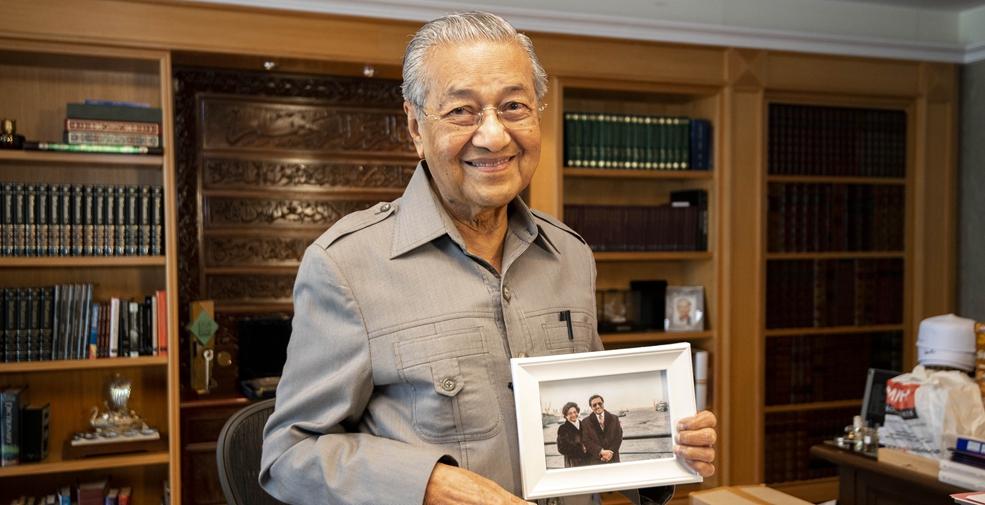 """專訪:""""期待繼續推動馬中關係向前發展""""——訪馬來西亞總理馬哈蒂爾"""
