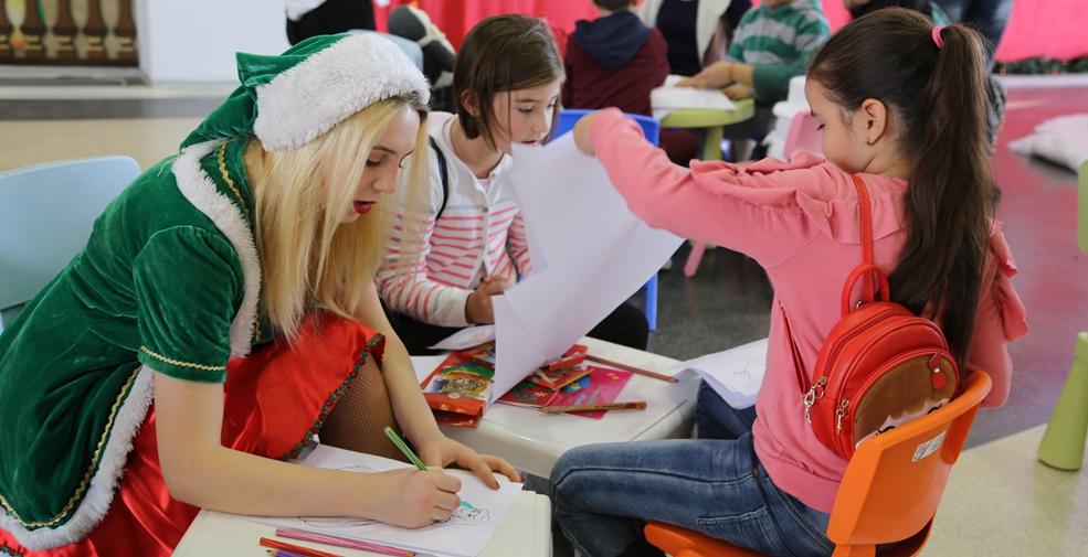"""""""聖誕老人""""提前來到羅馬尼亞中國市場"""