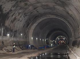 印尼雅萬高鐵重點工程瓦利尼隧道貫通