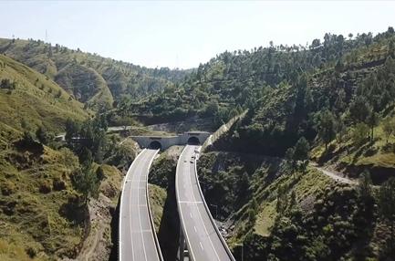GLOBALink   Highway project under CPEC helps improve socio-economic development in Pakistan
