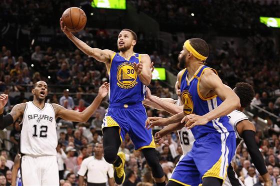 NBA常規賽:勇士勝馬刺