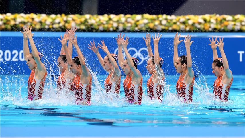 中國隊獲得花樣遊泳集體項目銀牌