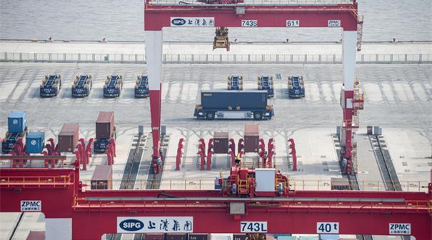 全球最大自動化碼頭年底投産