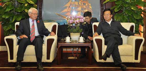 浦榮皋會見國際建聯專家團隊及華嚴集團代表一行
