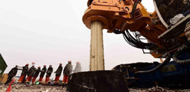 山東平邑救援:7號救生孔孔壁坍塌鑽頭被埋8號救生孔開鑽