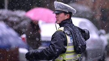 今天是個特別的日子,向人民警察致敬!