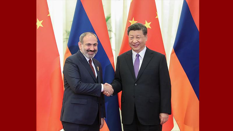 習近平會見亞美尼亞總理帕希尼揚