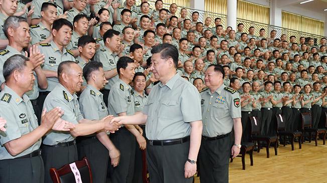 習近平視察陸軍步兵學院