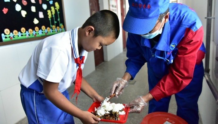 一蔬一饭都是爱——3700万农村娃的营养餐故事
