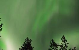 芬蘭:出現絢麗極光