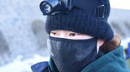 """顯影中國 鐵軌上的95後""""女團"""""""