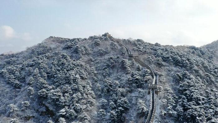 古長城上雪茫茫