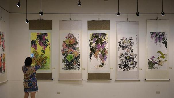 大陸知名女畫家葉君萍臺北舉辦彩墨個展