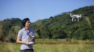 用無人機數西瓜——花蓮青年盧紀燁的科技農經