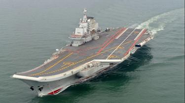 遼寧艦正常航渡何以引發島內騷動