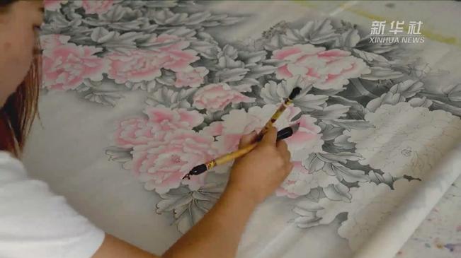 脫貧vlog丨農民畫師:一支畫筆繪出致富路