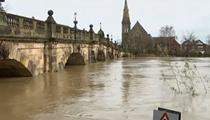 英國:多地遭遇強降雨降雪等惡劣天氣