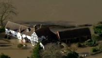 英國:英格蘭多地河流潰堤 居民被迫撤離