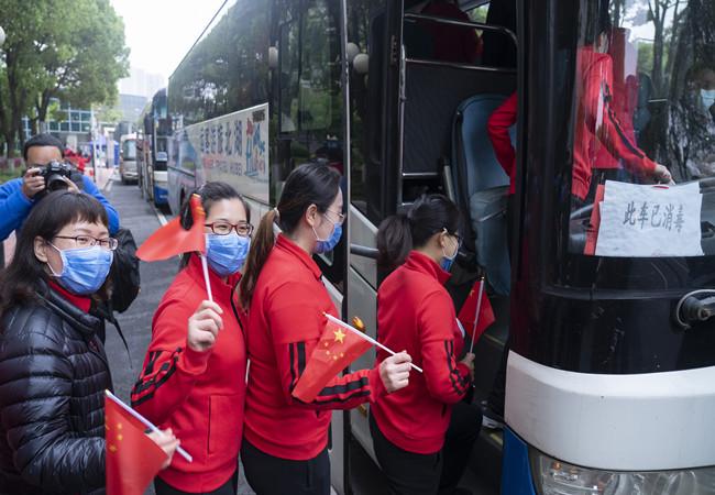 英雄歸來 北京支援湖北醫療隊返京