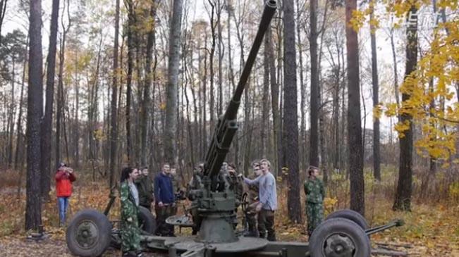聖彼得堡舉辦軍事體驗活動