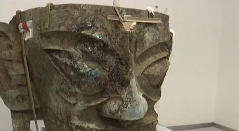 三星堆新發現:3號坑出土最大相對最完整青銅面具