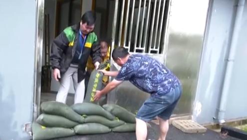 上海:維持臺風黃色預警 轉移安置30余萬人