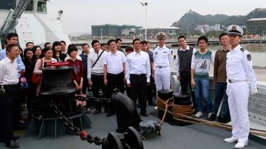 中國海軍遠航訪問編隊艦艇進行對外開放活動