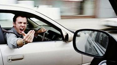 """高速路上又現危險""""路怒"""""""