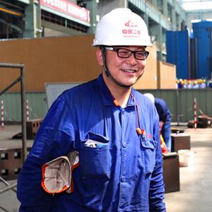 """[十九大代表風採]中國二重高級焊接技師白樹華:從農家小夥到行業""""大拿"""""""