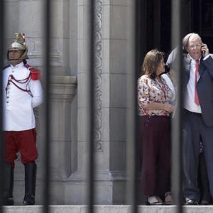 秘魯總統宣布辭職