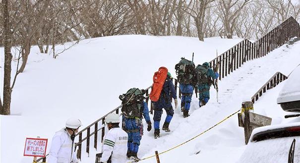 日本一滑雪場發生雪崩 多名師生被埋