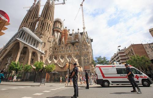 西媒:巴塞羅那恐怖組織被摧毀 全歐追捕漏網之魚