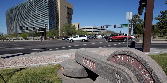 Uber遭遇首起自動駕駛汽車致行人死亡事故 暫停測試