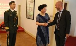 """中國駐丹麥大使館舉行""""八一""""建軍節招待會"""
