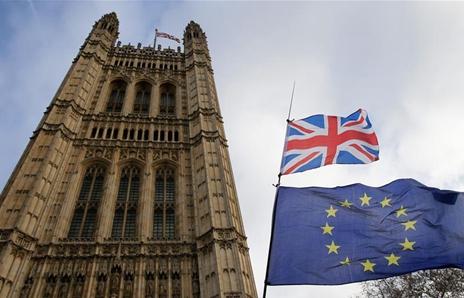"""美國""""關門""""英國脫歐被否 兩大""""民主機制""""陷入危機"""