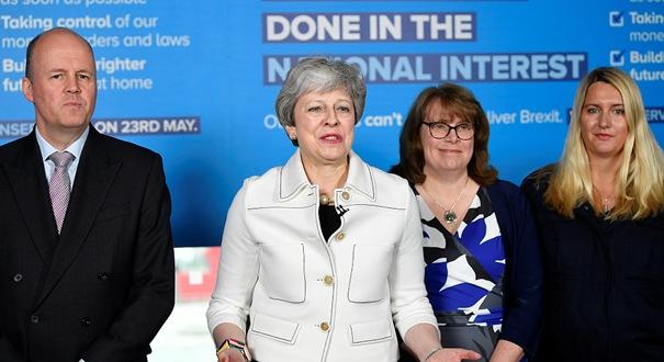 """英國""""脫歐""""跨黨派談判宣告失敗 特雷莎·梅出席歐洲議會競選活動"""