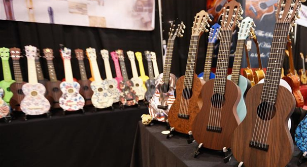 """通訊:中國樂器在美國樂器展上""""奏響強音"""""""