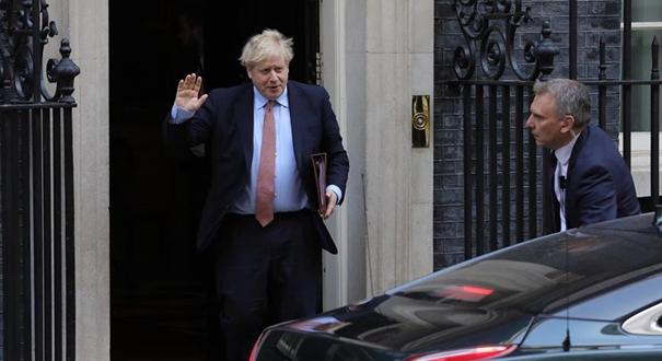 英國首相進醫院接受檢測